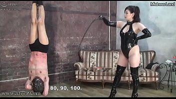 Japanese sadomasochism torture of upside down masochist serf