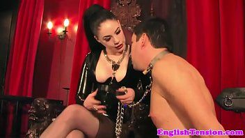 Smokin latex femdom plays with her manslave